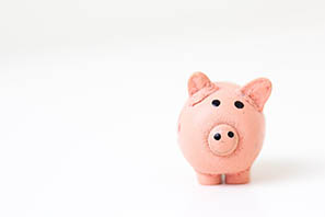 Piggy bank photo 1459257831348 f0cdd359235f for website